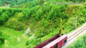 Video quá trình Triều Tiên phóng tên lửa đạn đạo từ tàu hỏa