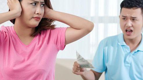 Vợ chồng cãi nhau nảy lửa chuyện mua bảo hiểm phòng dịch nhưng nguyên nhân phía sau mới thật bất ngờ