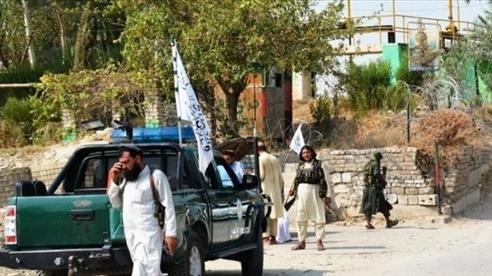 Afghanistan: 3 vụ nổ làm rung chuyển Jalalabad