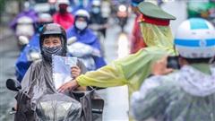 NÓNG: Hà Nội bỏ kiểm tra giấy đi đường từ ngày mai 21-9