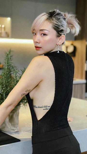 Thời trang táo bạo 'tắc kè hoa' của Tóc Tiên