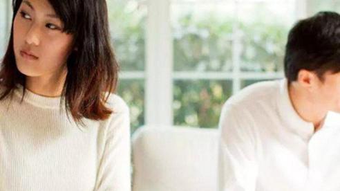 Những hành động hằng ngày của đàn ông trực tiếp phá hoại hôn nhân mà họ vẫn nghĩ 'Vợ mình có sao đâu'