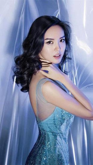 Hoa hậu Trương Tử Lâm: Sự nghiệp rực rỡ, hôn nhân viên mãn tròn đầy