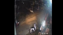 CLIP: Nhóm thanh niên đánh nhau 'như phim' ở Quảng Nam