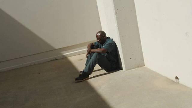 Người đàn ông bất ngờ bị buộc tội cưỡng hiếp cô hàng xóm, lãnh án tù gần 50 năm chỉ bởi... một giấc mơ của nạn nhân