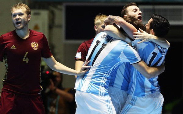 Xác định 4 cặp đấu vòng tứ kết World Cup Futsal 2021