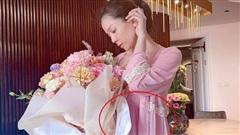 Lệ Quyên bị nghi có 'tin vui' trong hình ảnh kỷ niệm 1 năm yêu tình trẻ Lâm Bảo Châu?