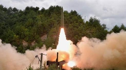 Bắc Triều Tiên thử nghiệm đoàn tàu tên lửa