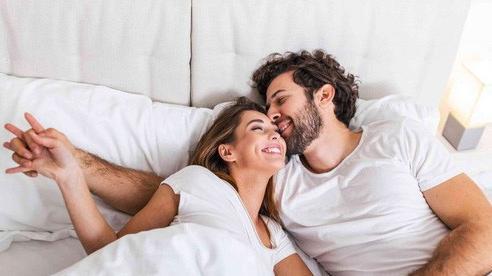 Điều các cặp đôi hạnh phúc không ngừng làm điều này để giữ gìn hôn nhân