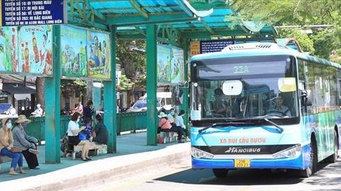 Hà Nội đề xuất cho xe buýt, taxi hoạt động trở lại