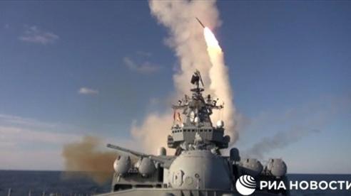 Cận cảnh S-300 Nga diệt thành công loạt mục tiêu trên biển
