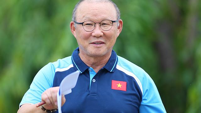 NÓNG: VFF làm việc với HLV Park Hang-seo về tương lai sau trận thua Oman