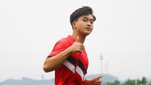 Hụt ra nước ngoài, Danh Trung một mình cách ly khi trở về từ Sài Gòn FC