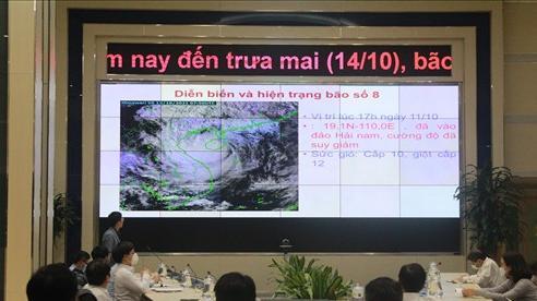 Bão số 8 suy yếu thành áp thấp và đi vào đất liền; mưa lớn diện rộng, có nơi trên 600mm