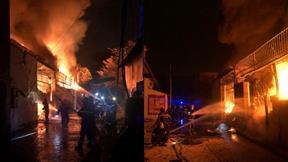 Cháy lớn tại công ty sơn, 380 m2 nhà xưởng bị thiêu rụi