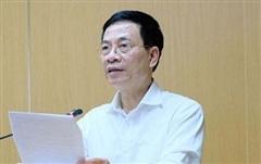 Bộ trưởng Nguyễn Mạnh Hùng phát biểu về hệ thống tiêm chủng vắc xin phòng Covid quốc gia