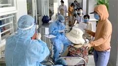 Sáng 18/10: Chỉ còn 3.413 bệnh nhân COVID-19 nặng đang điều trị