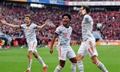 Clip trận Bayern ghi 5 bàn trong 37 phút