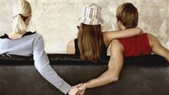 Phút cuối bi đát của người đàn ông dẫn gái về ngoại tình trước mặt vợ