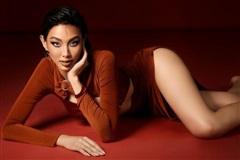 Miss Grand Vietnam - Thùy Tiên nóng bỏng với làn da nâu bóng giòn