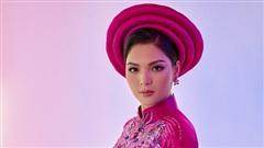 Đại diện Việt Nam tại Miss Earth 2021 khoe sắc trong loạt áo dài truyền thống