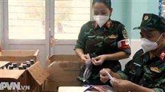 Lực lượng nữ quân y tận tụy chăm sóc bệnh nhân Covid-19