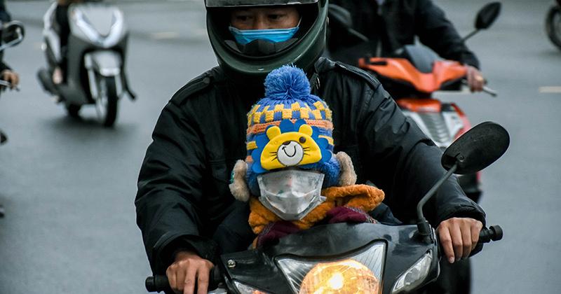 'Nếu thấy nhiệt độ xuống dưới 10 độ C, phụ huynh có thể cho con nghỉ ở nhà'