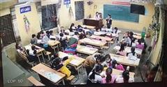Học sinh làm việc riêng trong giờ học của cô giáo 'tố bị nhà trường trù dập'