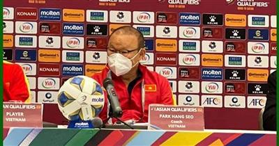 Giữa họp báo, HLV Park Hang-seo bất ngờ chia sẻ bất lợi đầu tiên ĐT Việt Nam gặp phải khi vừa đến Oman