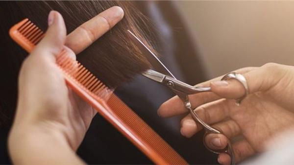 Sang chấn tâm lý vì bị cắt tóc 'fail', khách hàng yêu cầu tiệm làm tóc bồi thường hơn 6 tỷ đồng