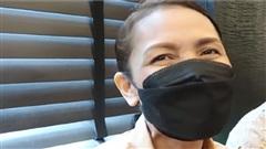 Mẹ Lisa (BlackPink) không ngừng lau nước mắt khi cùng đại gia đình reaction MV 'Lalisa'