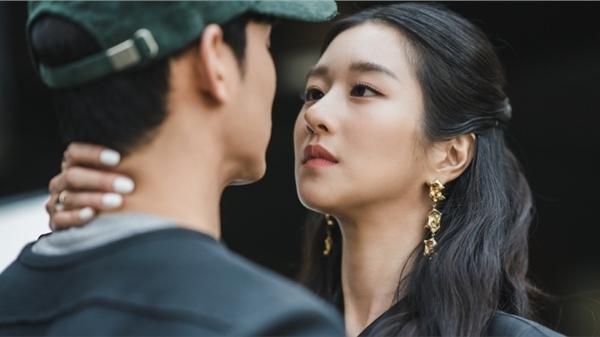 Xem 'Điên thì có sao' mới thấy hình như 'điên nữ' Seo Ye Ji bê nguyên cái nết ngoài đời vào phim thì phải