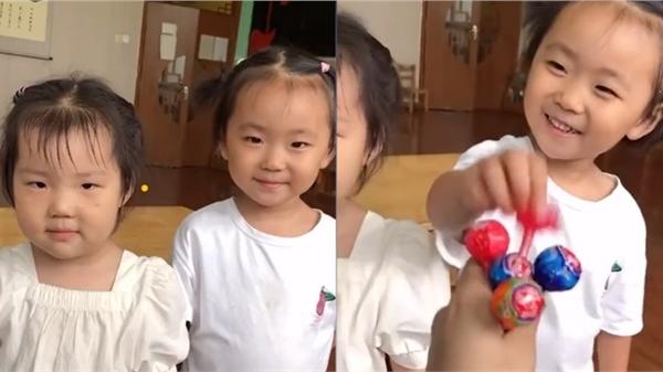 Cô giáo thưởng kẹo cho học trò vì muốn được khen đẹp, ánh mắt của học trò khiến dân mạng cười nắc nẻ