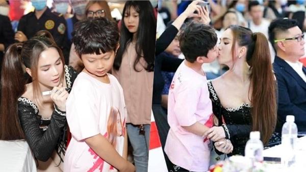 Ngọc Trinh gây tranh cãi dữ dội vì bức ảnh 'khóa môi' diễn viên nhí ở sự kiện đông người