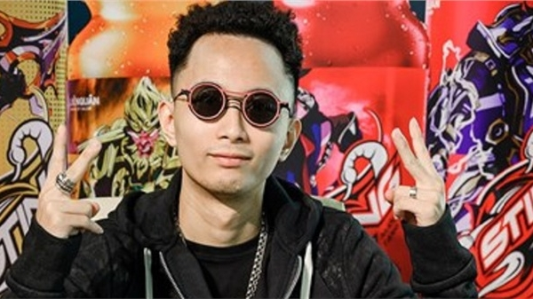 Rap Việt tập 1: Rhymastic ghen tị Wowy, muốn 'cướp' cup vàng của Dế Choắt