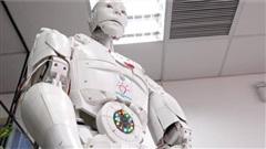 Trầm trồ trước màn nói chuyện với Robot Trí Tuệ Nhân Tạo Made In Việt Nam đầu tiên